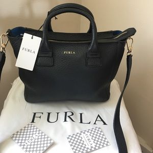 🔥New Authentic Furla black Leather hand bag